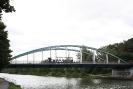 Auf der Kanalbrücke.